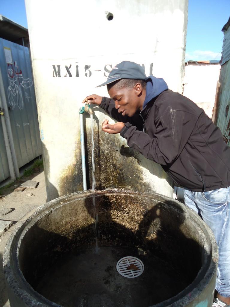 communal water tap in Khayelitsha 1
